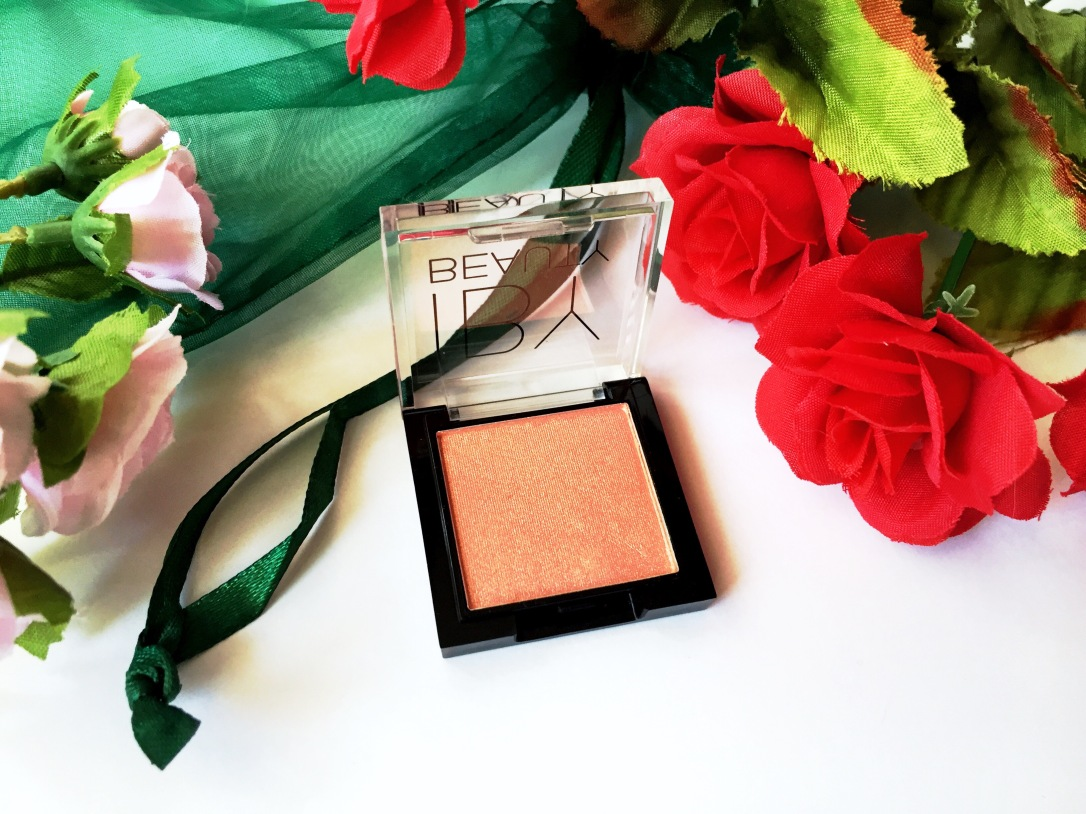 IBY Beauty Highlighter in Bubbly