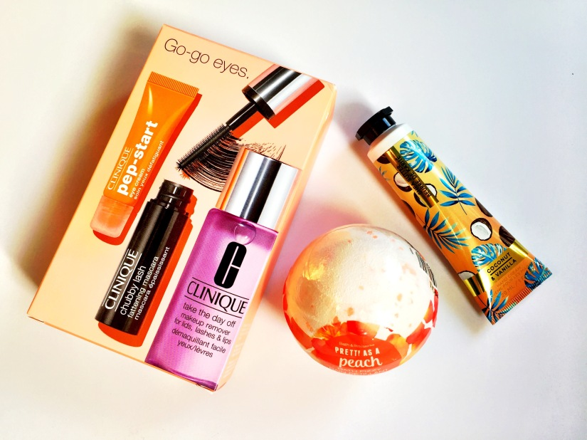 Clinique Go-go Eyes Set, Bath & Body Works Pretty as a Peach Bath Fizzy and Bath & Body Works Coconut & Vanilla Hand Cream